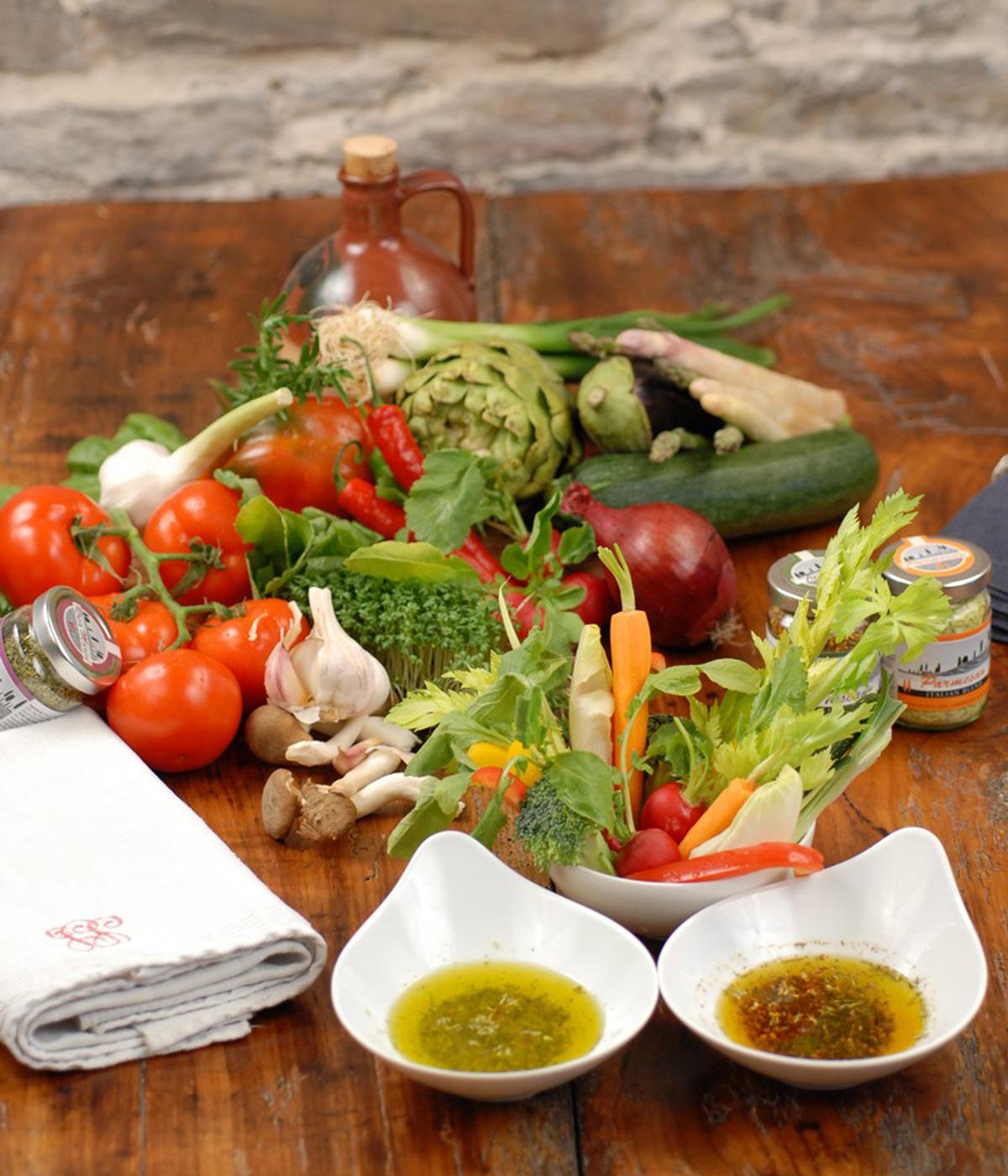 Frühlingssalate mit Balsamicos und Ölen von Wajos